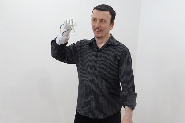 Создатель протеза Максим Ляшко