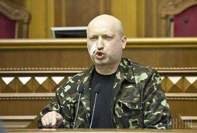 Турчинов не видит смысла решать конфликт на востоке Украины только дипломатией