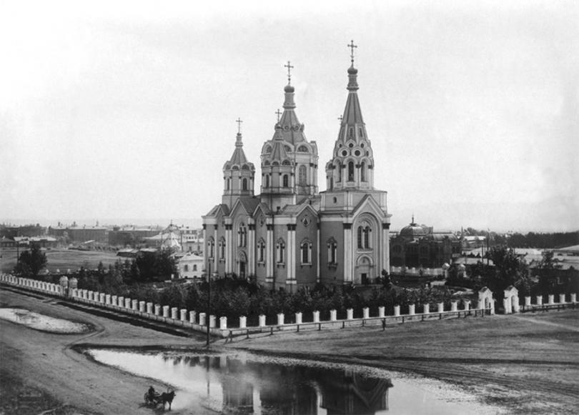 Так выглядел Богородице-Рождественский кафедральный собор до взрыва в 1936 году. Источник: ngs24.ru