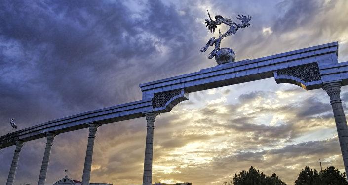 Площадь независимости. Ташкент. Архивное фото