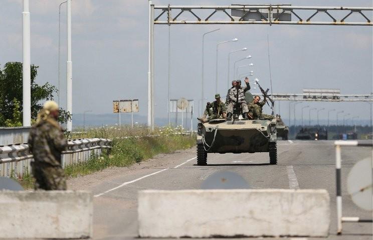 Украинские силовики отступают от Луганска
