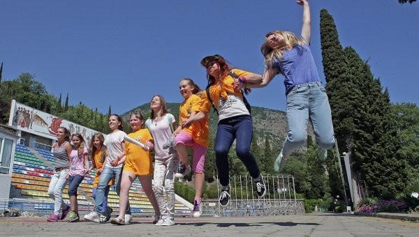 Более 1 млрд рублей выделено на отдых маленьких россиян в Крыму