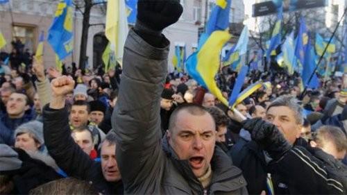 Экс-глава разведки: На Украине в ближайшие месяцы произойдет государственный переворот