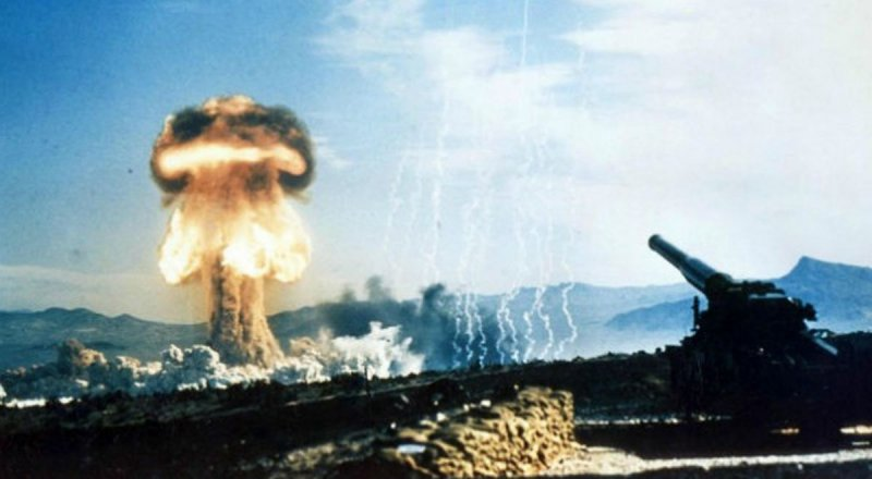 Злые русские и их ядерная бомба