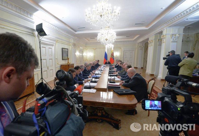 Президент РФ повысил статус генеральных конструкторов вооружения