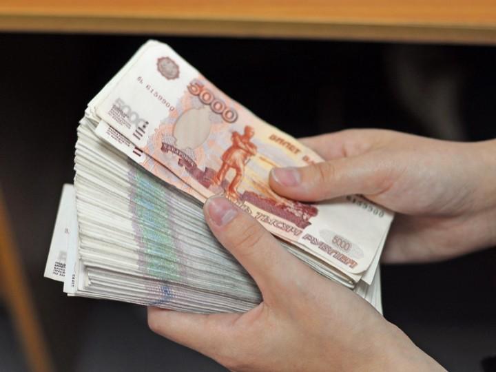 Пенсии и зарплаты в ЛНР будут выплачиваться в рублях