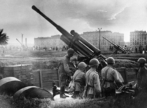 Как лучший танковый ас СССР уничтожил 52 немецких танка