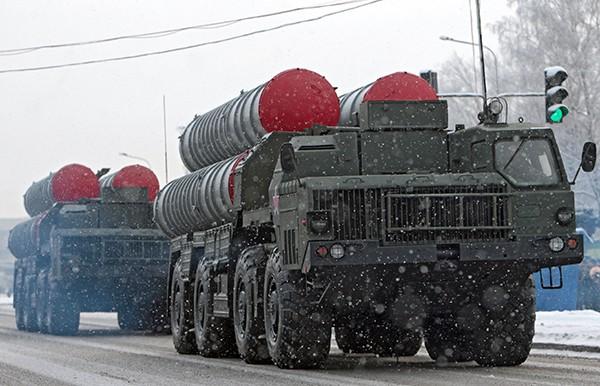 Путин снял запрет на поставки С-300 в Иран