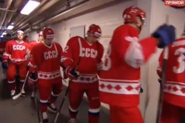 Сборная России по хоккею вышла на матч с финнами в форме сборной СССР