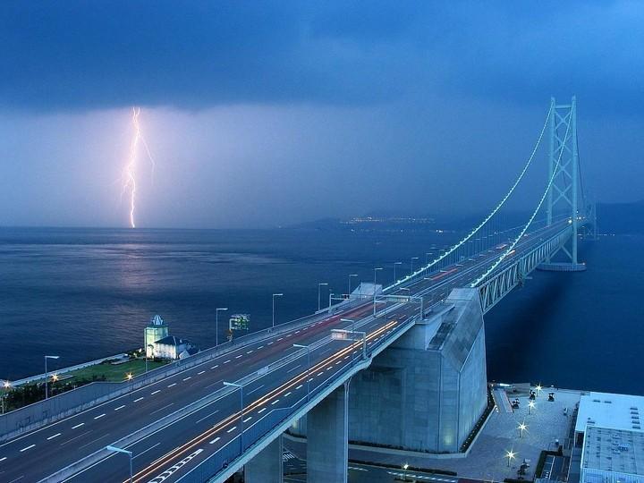 Стройка Керченского моста стартовала: вбиты первые сваи