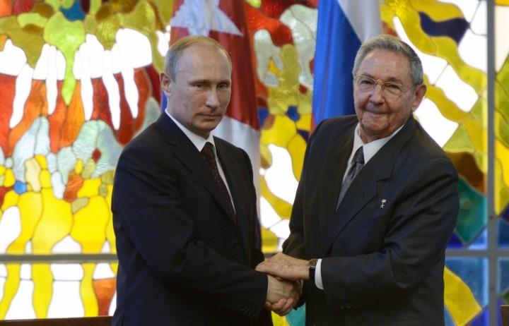 Путин обсудит с Раулем Кастро развитие сотрудничества РФ-Кубы и мировые проблемы
