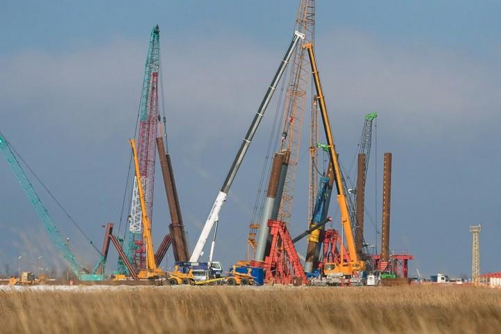 Начат монтаж свайных фундаментов Керченского моста