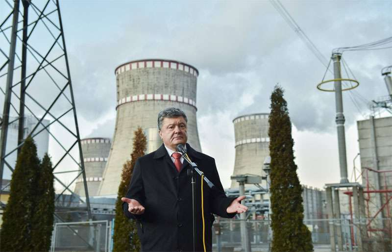 """Украина с помощью американской """"Westinghouse"""" собралась """"разгонять"""" реакторы на своих АЭС. Эксперты: """"Это очередной Чернобыль"""""""