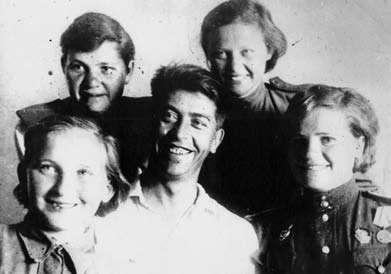 Люся Радыно, юная защитница Сталинграда: по картошке посчитала танки...