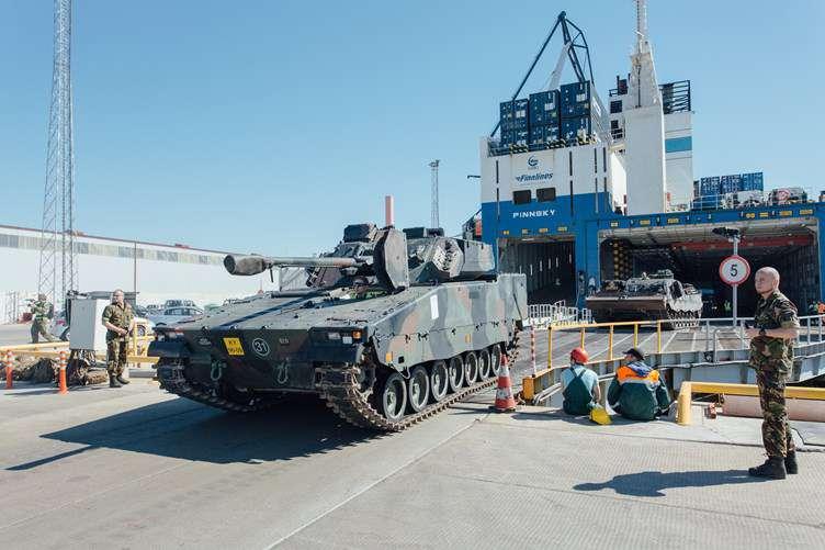 В Эстонию прибыла военная техника из Нидерландов