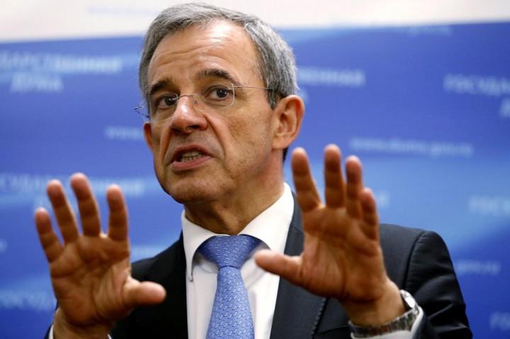 Французский депутат предложил отменить санкции против России и ввести их против Украины