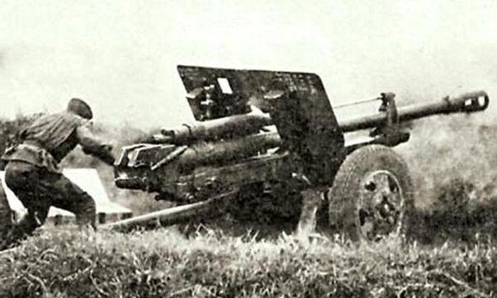 Подвиг артиллериста, подбившего 8 танков