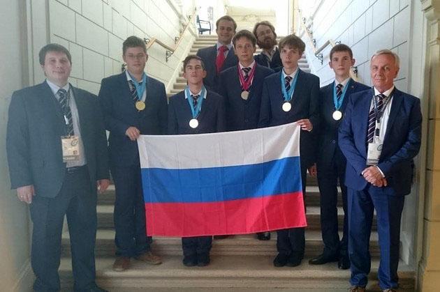 Школьники из России завоевали четыре «золота» на Всемирной олимпиаде по физике