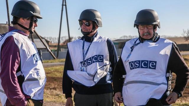 К наблюдателям ОБСЕ в Луганске вернулось зрение