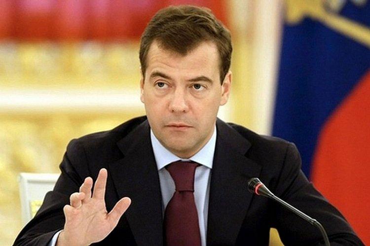медведев подписал указ об обязательном обсуждении госзакупок