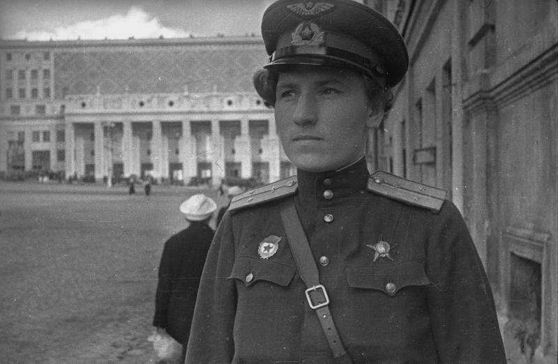 7 декабря исполняется 100 лет со дня рождения отважной лётчицы Будановой Екатерины Васильевны