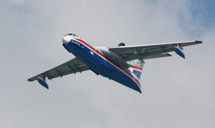 МЧС России получило первый серийный самолёт Бе-200ЧС