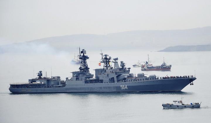 Ажиотаж по-японски: противолодочный корабль «Адмирал Трибуц» ошеломил местных жителей