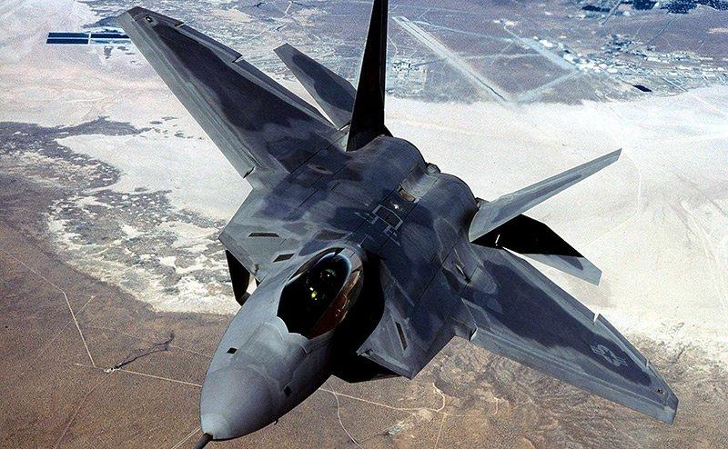 «Американцы выпустили инструкцию своим летчиками: не вступать в ближний бой с самолетами МиГ-29 и Су-27»
