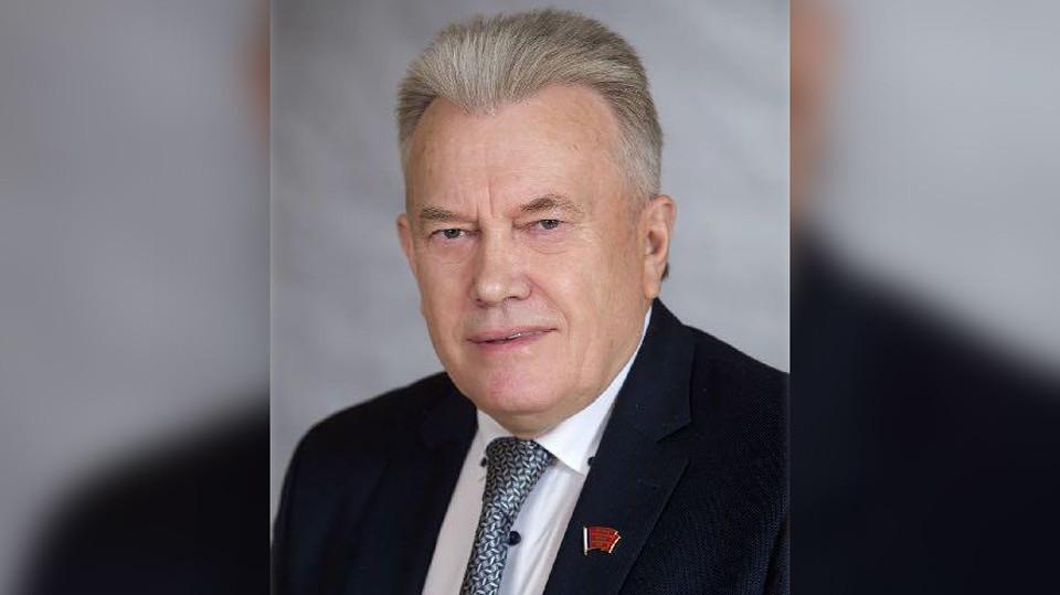 Ничего сенсационного. Красноярский депутат объяснил двойное повышение зарплаты