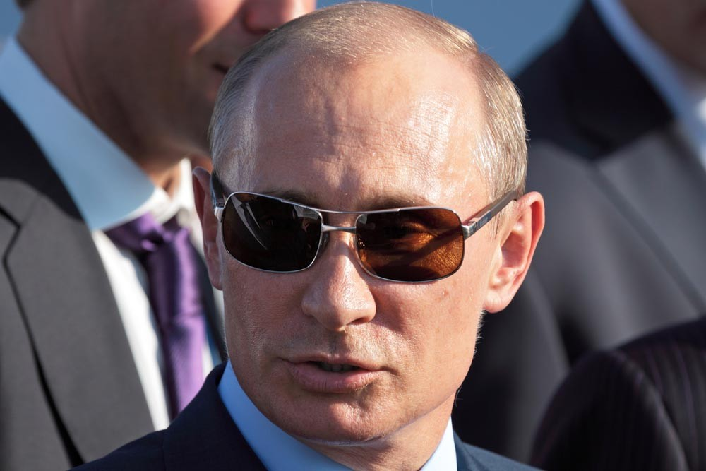 Владимир Путин следит за махинациями Большого брата