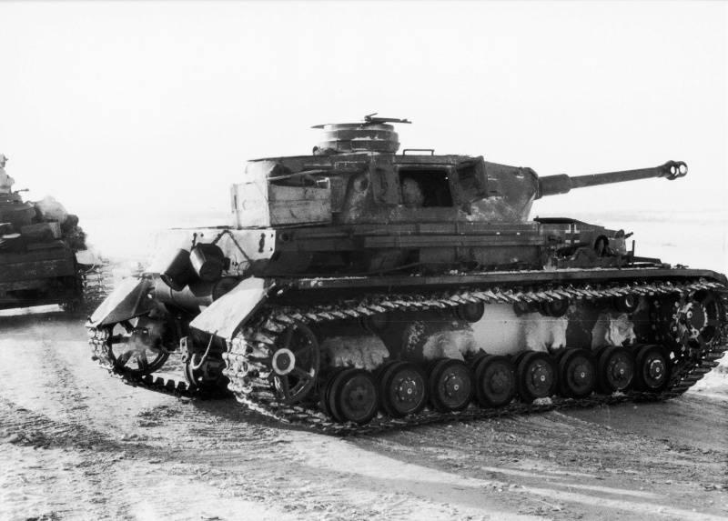 """Как немцы пытались спасти армию Паулюса. Операция """"Зимняя гроза"""""""