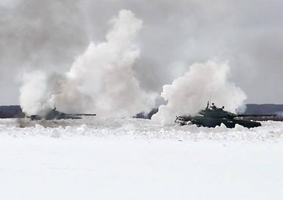 Войска двух военных округов РФ подняты по тревоге