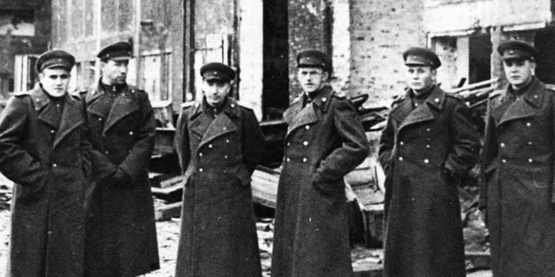 Группа советских военных специалистов в Германии: первый слева — С.П. Королёв