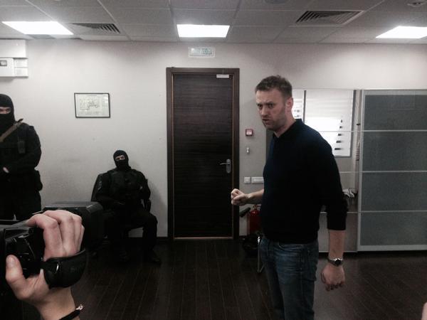 Как я «участвовал в обыске» и «украл документы» ФБК: на что идут деньги фонда Навального