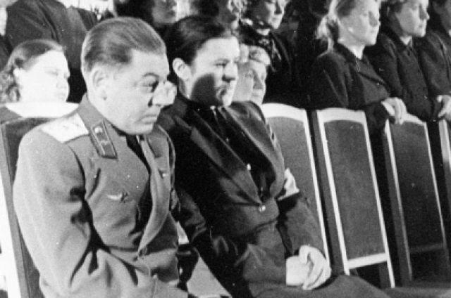 «Пил и говорил всем, что сын вождя». Как жил и умер в Казани Василий Сталин