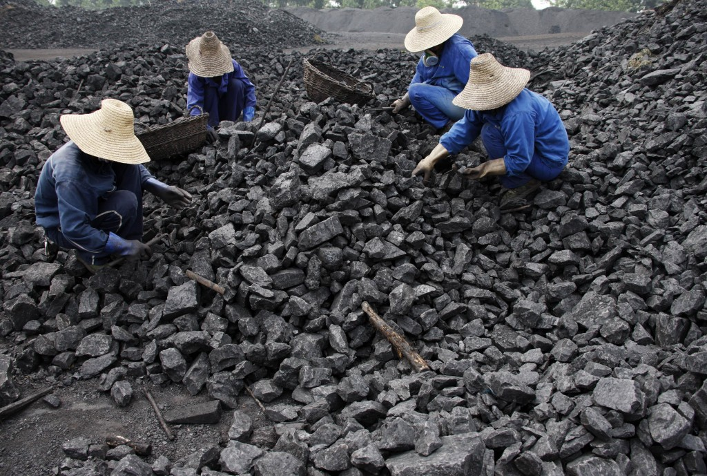 http://rusinros.ru/wp-content/uploads/ChineseCoalMiners-1024x689.jpg