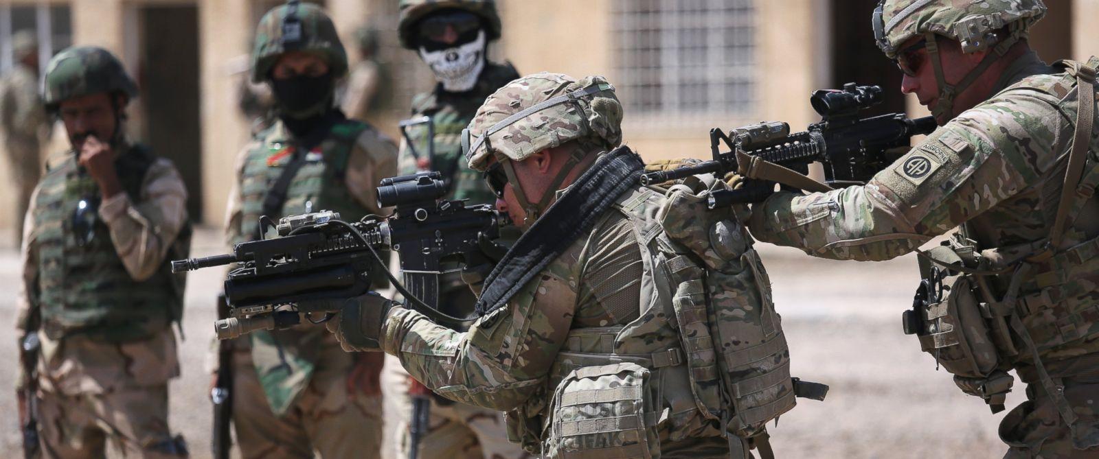 Американские военные в Сирии скоро доиграются: военные США чуть не протаранили российскую бронетехнику