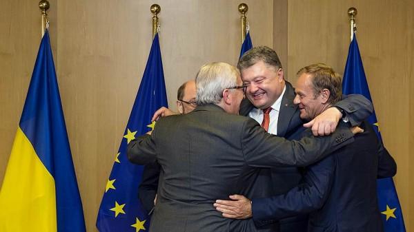 Европе плевать на то, что просит Порошенко. Страна надёжно села на брюхо
