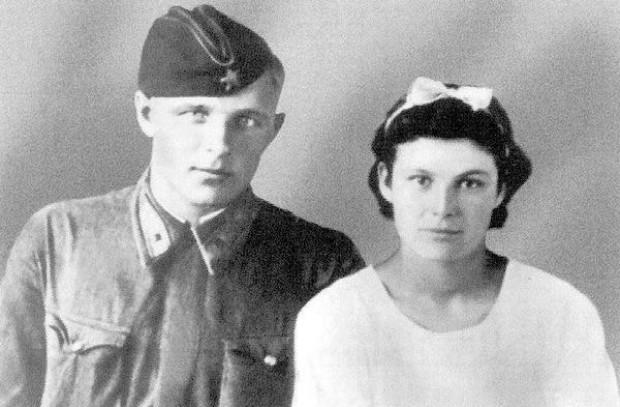 Дмитрий Кокорев с женой Екатериной в день свадьбы, август 1940 года