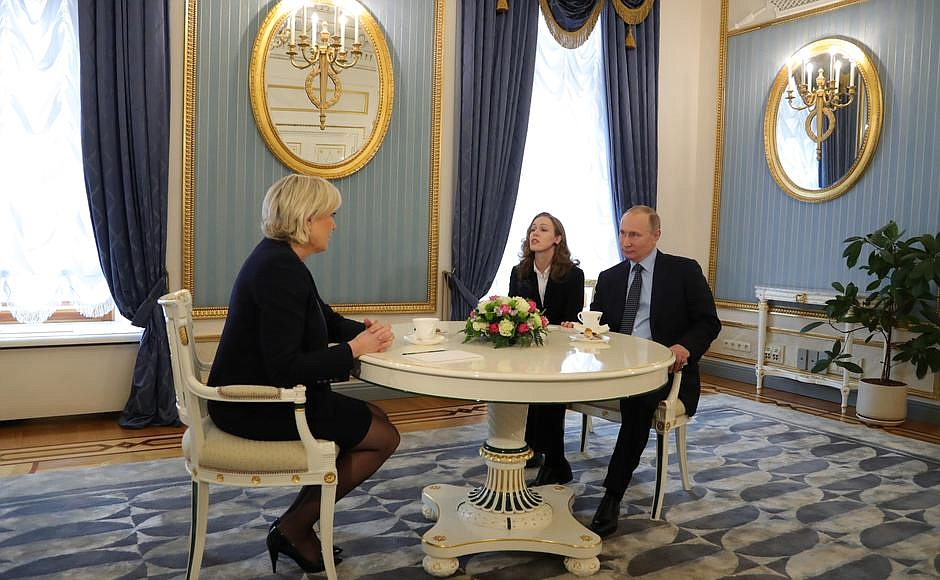 Встреча слидером политической партии Франции «Национальный фронт» Марин Ле Пен.