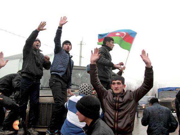 Азербайджану навязывают майдан