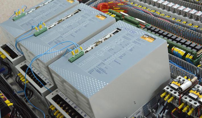 Электроника управления приводов по трём осям.