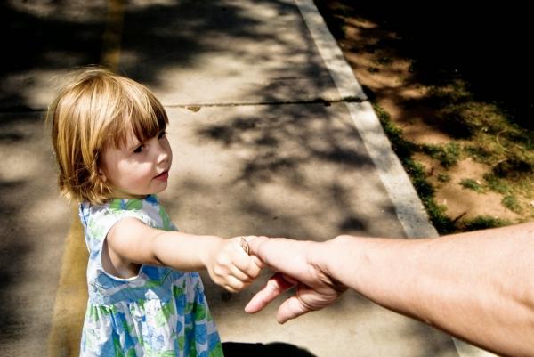 Либеральная спекуляция на детях-сиротах