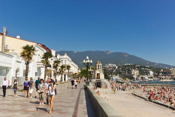 Европейцы, невзирая на санкции, скупают путевки в Крым