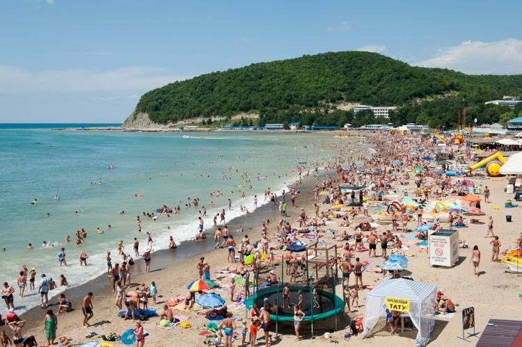 Новые рекорды: отели в Сочи не справляются с потоком туристов