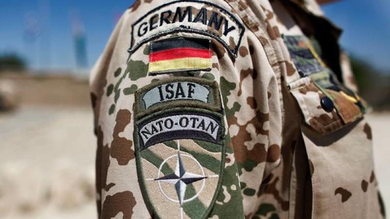Базы НАТО - шипастый ошейник на шее европы