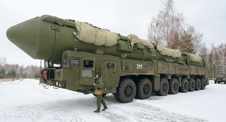"""Уже в следующем году на вооружение РВСН будут приняты новые мобильные комплексы """"Рубеж"""", оснащенные не менее чем четырьмя маневрирующими боевыми блоками, которые в перспективе заменят """"Тополь-М"""" и """"Ярс"""""""