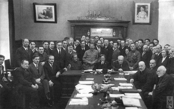 Как жили руководители при Сталине