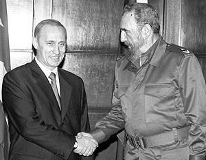 В декабре 2000 года Владимир Путин стал первым российским лидером, посетившим Кубу после краха Советского Союза. Теперь им предстоит новая встреча