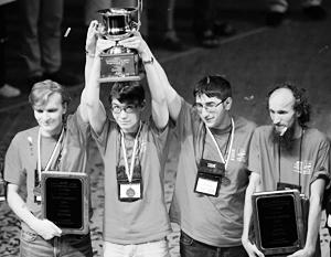 Победители студенческого чемпионата мира по программированию – команда Санкт-Петербургского государственного университета